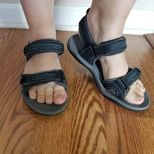 Northside sport sandals with velcro closure